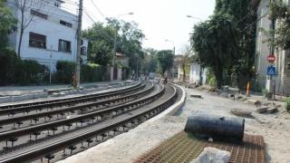 Lucrarile de modernizare a liniilor de tramvai din PLOIESTI sunt in grafic.